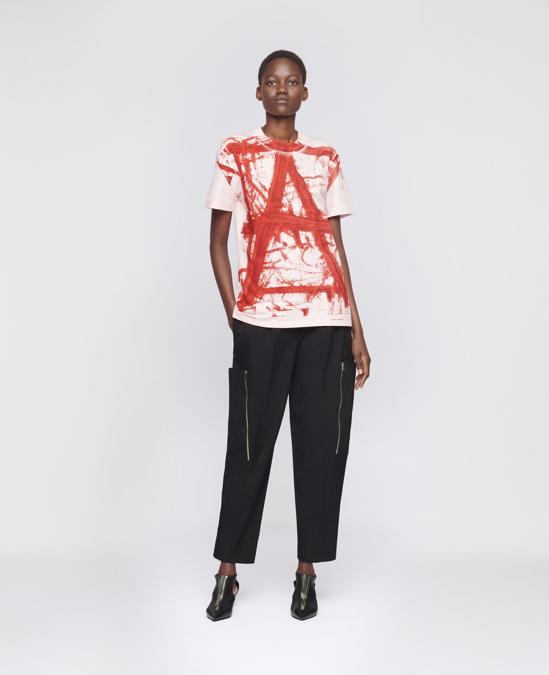 "T-Shirt ""A"" di Rashid Johson-Rosa-large image number 1"