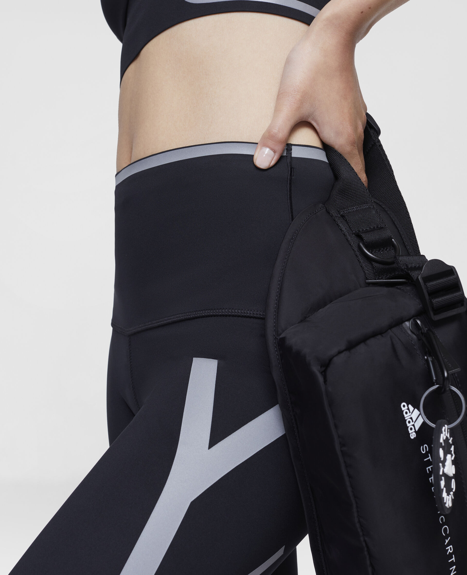 TruePace 3/4 Running Tights-Black-large image number 3