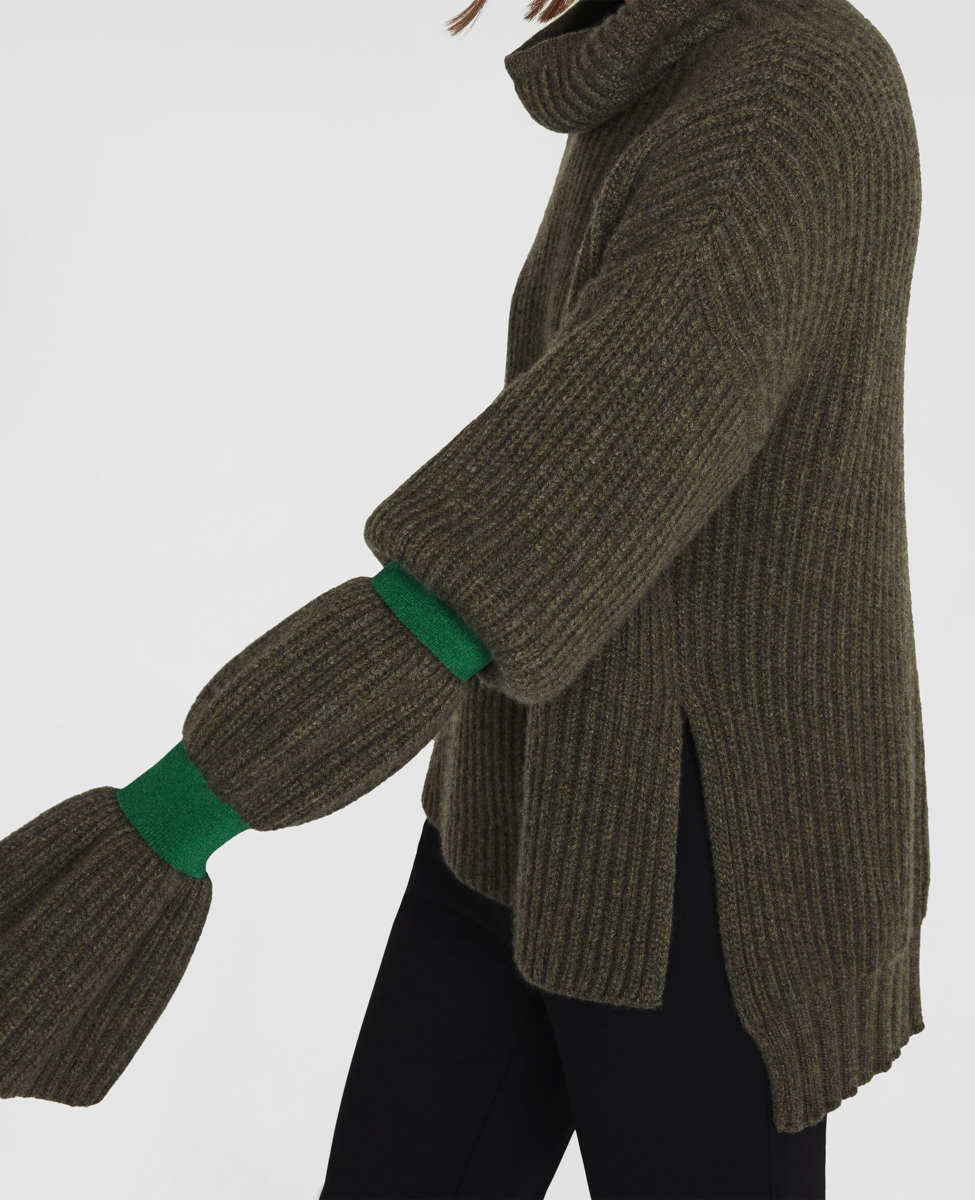 Pull aux volumes doux-Vert-large image number 3