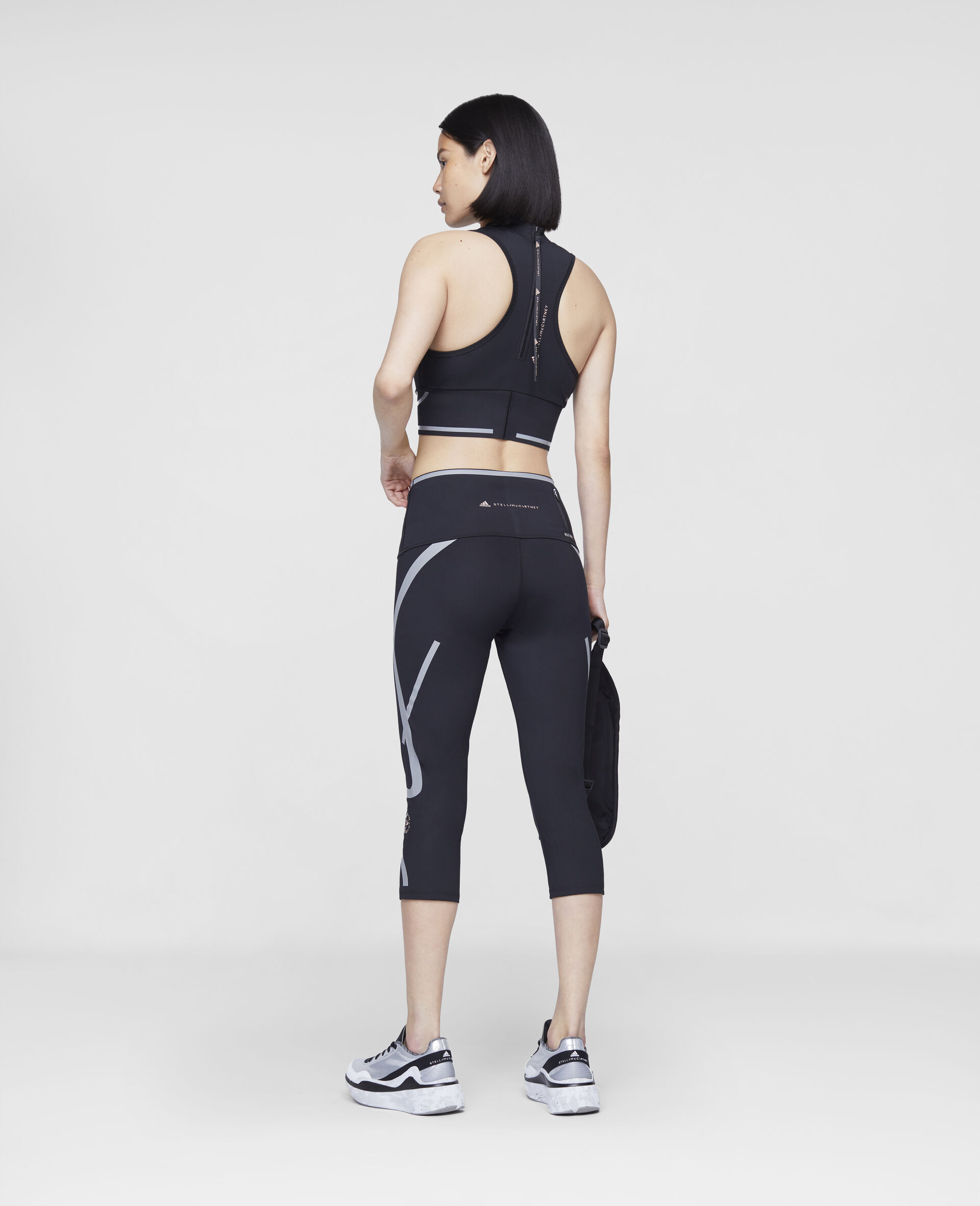 TruePace 3/4 Running Tights-Black-large image number 2