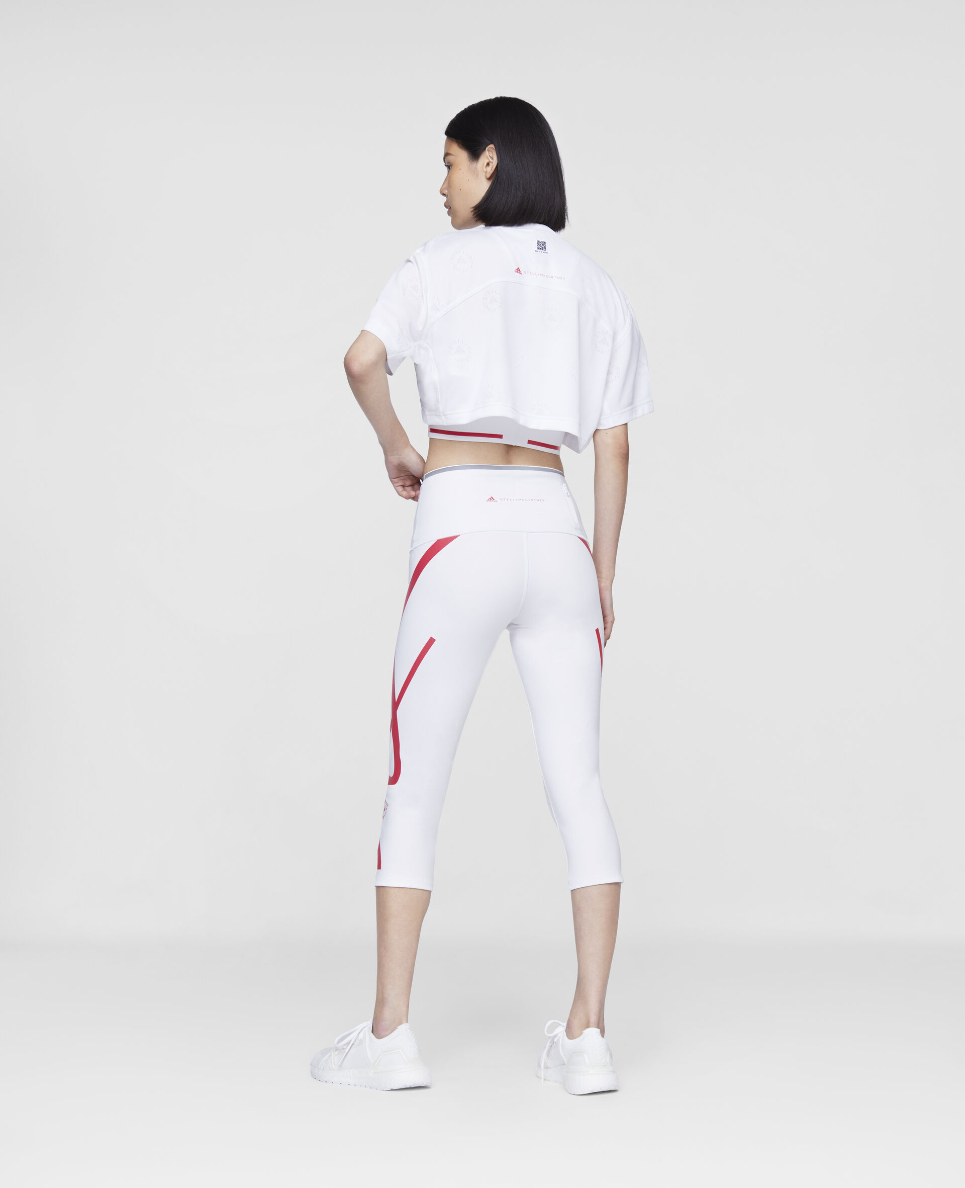 TruePace 3/4 Running Tights-White-large image number 2