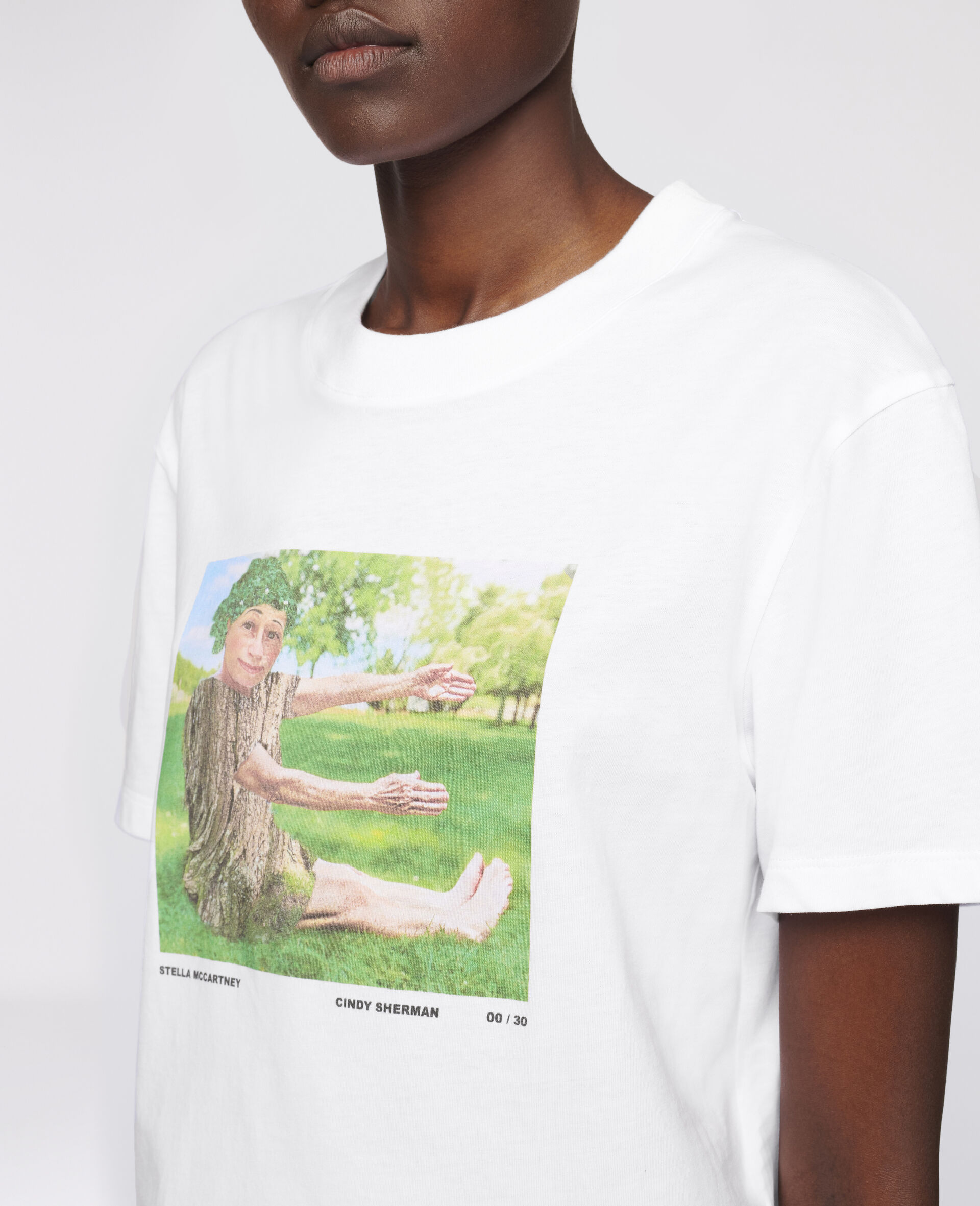 "Cindy Sherman ""E"" T-shirt-White-large image number 3"