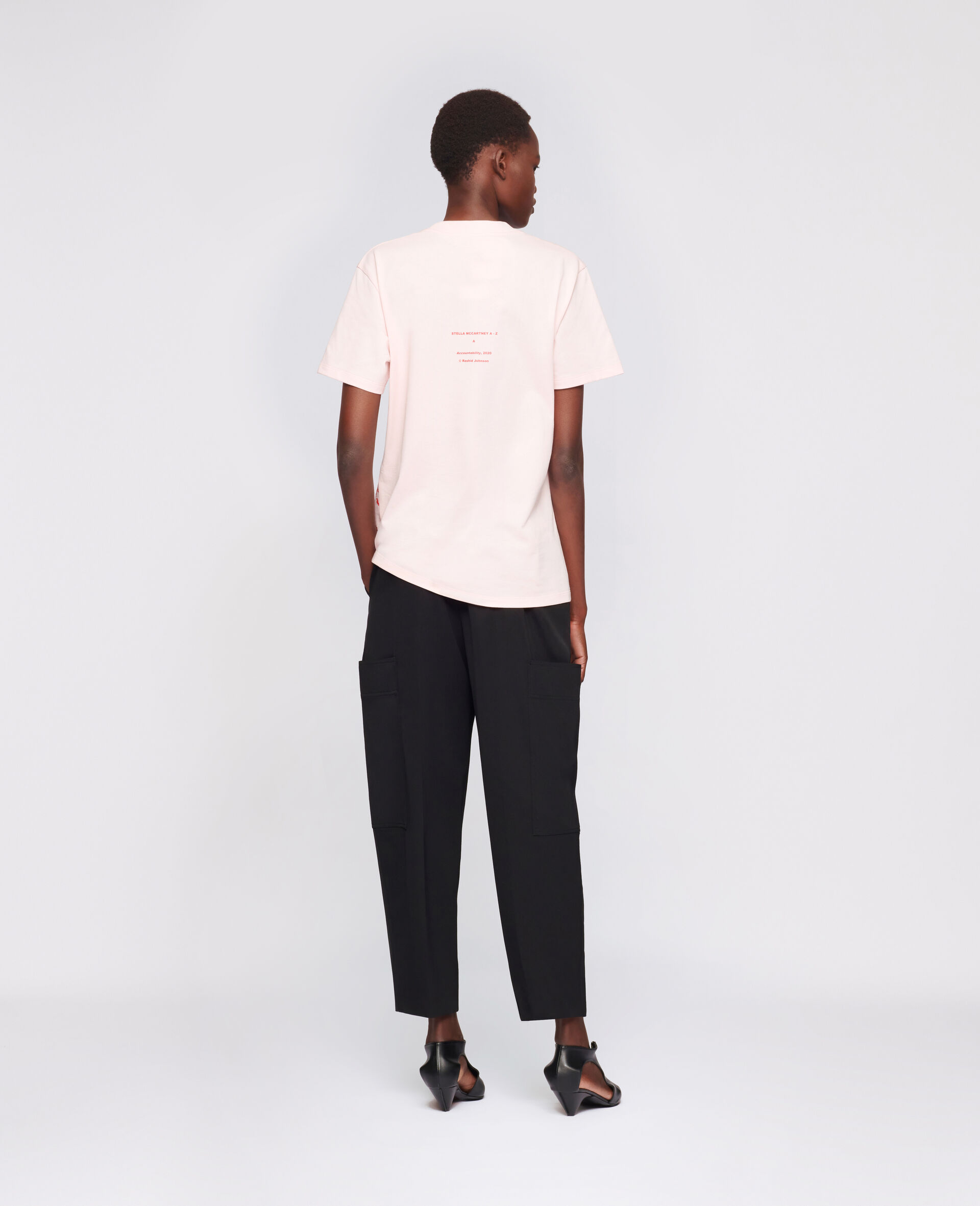 "T-Shirt ""A"" di Rashid Johson-Rosa-large image number 2"