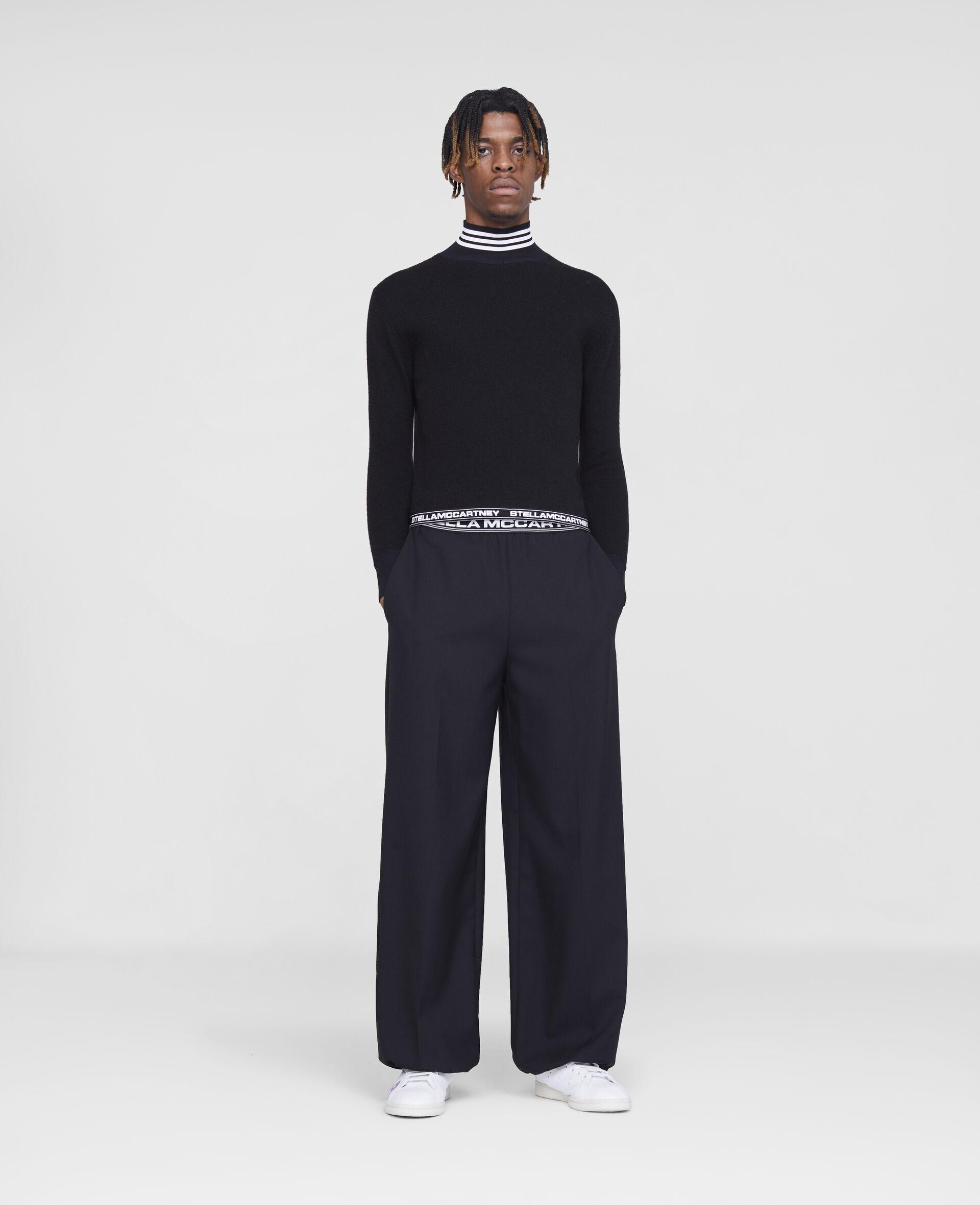 Taillierte Hosen mit Stella Logo -Schwarz-large image number 1